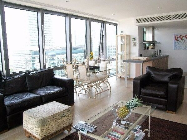 Stunning 1 Bed, 1 Bath, furnished, 24Hr Concierge in West India Quay, Hertsmere Road, Canary Wharf