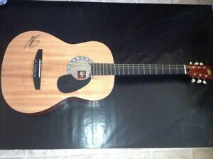 JUSTIN BIEBER Hand Signed Rogue Acoustic Natural Guitar w/COA