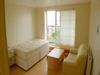 Large 1 bedroom flat share. Overlooking the Thames & O2. Leasuire, shops & local amenities nearby.