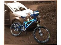 Santa Cruz Full Suspension Blue Mountain Bike Helmet Incl