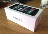 iPhone 5s - Mint Condition w/ Mophie Juice Pack