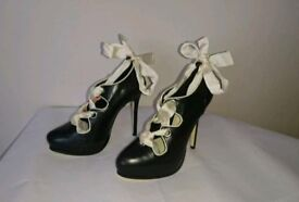 Brand new in box Fearne Cotton size 5 Black platform ladies shoes Christmas gift