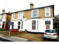 1 bedroom flat in Lichfield Grove, London