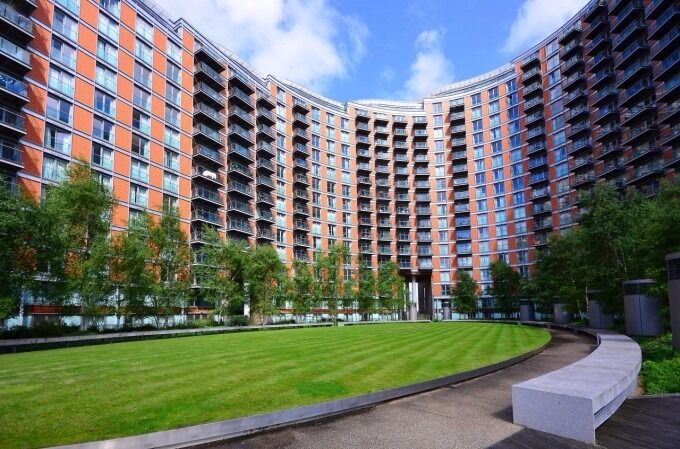 Stunning Studio Flat in Canary wharf, E14 , New Providence Wharf, Furnished, Available now!