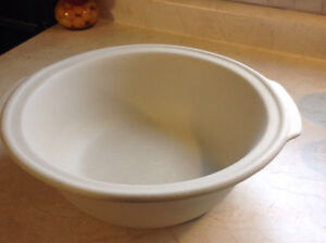 Pampered Chef Baking Bowl