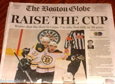 The Boston Bruins Raise The Cup Stanley Cup Victory Edition 6 16 2011 Globe New
