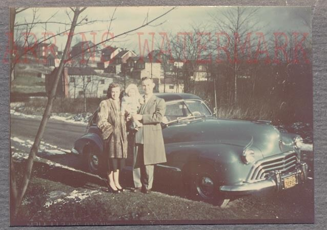Vintage Car Photo Family w/ 1947 Oldsmobile Olds Kodachrome Glossy Color 758546