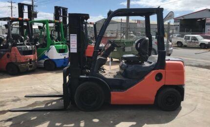 Toyota 2.5 Tonne Diesel Container Mast Forklift