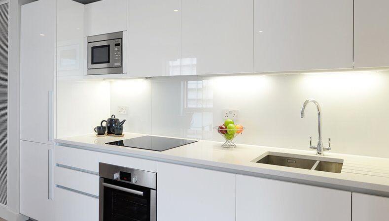 Stunning interior designed 2 Bed apartment - 736 Sq ft (Merchant Square)