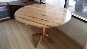 SOLID MARRI DINNING ROUND TABLE Joondalup Joondalup Area Preview
