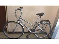 "Ridgeback Shimano Hybrid 28"" (700C) wheels lightweight adult man unisex ladies town city bike £100"