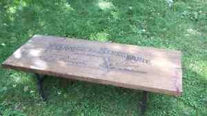 Table de salon vieux bois 2x10 pattes en tuyaux galvanisés