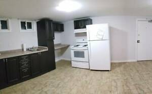 Cozy 1 bedroom (Haig st, West End) --All Incl -- NOV 1