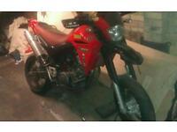 Yamaha xtx 660 supermoto