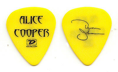 Alice Cooper Damon Johnson Signature Yellow Guitar Pick 2006 Dirty Diamonds Tour