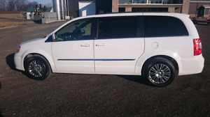 2014 Town and Country minivan