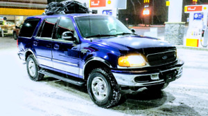 Clean Ford Expedition Xlt w/Towing Package