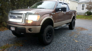 2011 Ford f 150 lariat 6.2l fully loaded **financing available *
