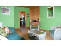 Festival Flat - Spacious two bedroom second floor apartment in excellent location in the Old Town
