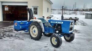tracteur compact ford 1300