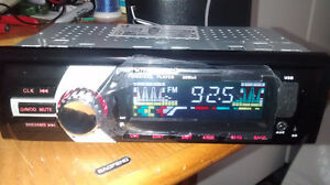 radio auto mp3 aux carte sd fm avec telecommande neuf 2 model