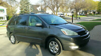 Toyota Sienna LE 2004, Charcoal Gray
