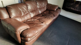 3 Seater Sofa - Brown Faux Leather (20£ cash back)