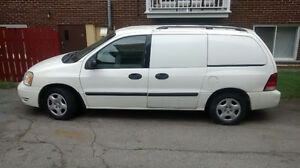 2005 Ford Freestar camion