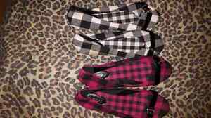 2 pairs of flats