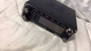 CB radio with antenna and magnet London Ontario image 4