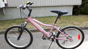 Vélo 20 pouces pour fille de environ 8-10ans