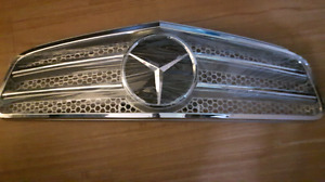 NEW Mercedes Benz Silver Grill