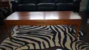 Oak coffee table and two end tables  Kitchener / Waterloo Kitchener Area image 1