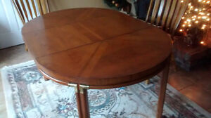 Mid-Century Modern Dining Table by DREXEL