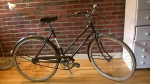 VINTAGE CITY BIKE — RALEIGH