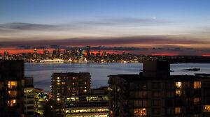 *Downtown&Ocean VIEWS Furnished LOWER LONSDALE Condo+Fireplace