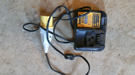 Dewalt charger DCB112
