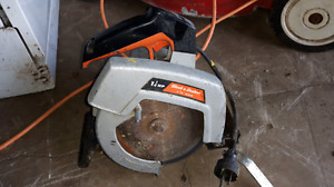 Black and Decker 1 1/4 HP Electric saw
