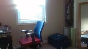 325A Lester Street - Winter Sublet Available Kitchener / Waterloo Kitchener Area image 2