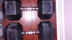 2 x 65 lbs RUBBER HEX DUMBBELLS