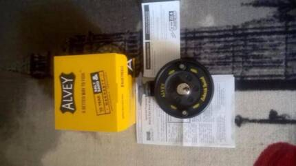ALVEY 475 B BRAND NEW WITH BOX ,PAPERS, AND MANUAL