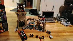 À vendre set de Lego Batman Batcave classic TV series