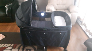 New Deluxe Eddie Bauer Play Yard w/ basinette & change table