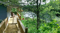 August 9-14, Waterfront Chalet: hot tub, firepit, BBQ, canoe