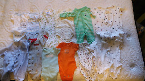 Lot of  newborn boys clothes 19 sleepers