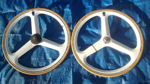 tri spoke wheels