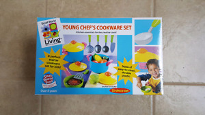 11 pieces cookware brand new in  box