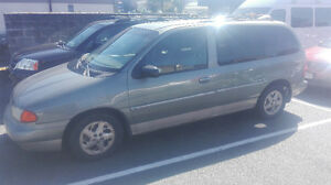 1998 Ford Windstar Minivan, Van