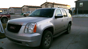 GMC Yukon SLE (NOT XL)