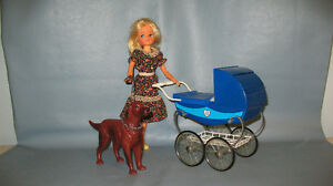 SINDY - BABY - PRAM & DOG